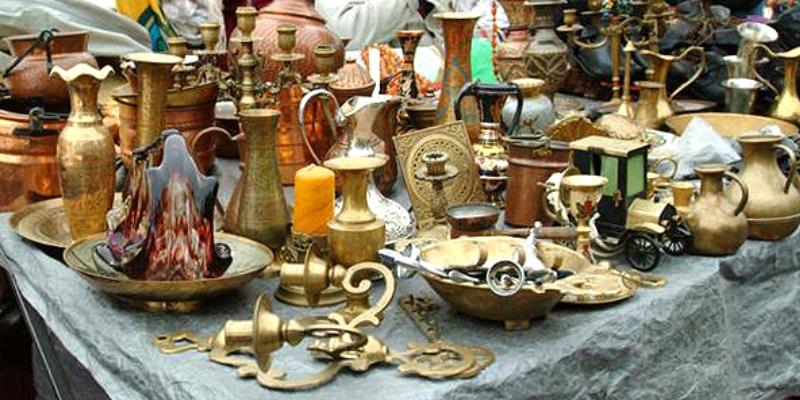 Antiquitäten Flohmarkt am Naschmarkt