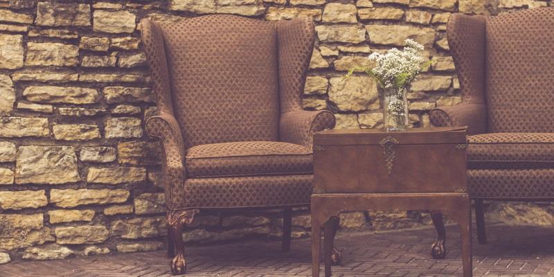 Gepolsterte antike Stuhl-Arten