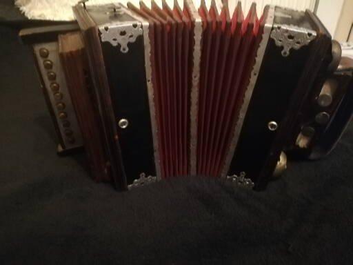 Zirkusknopfharmonika aus 1880