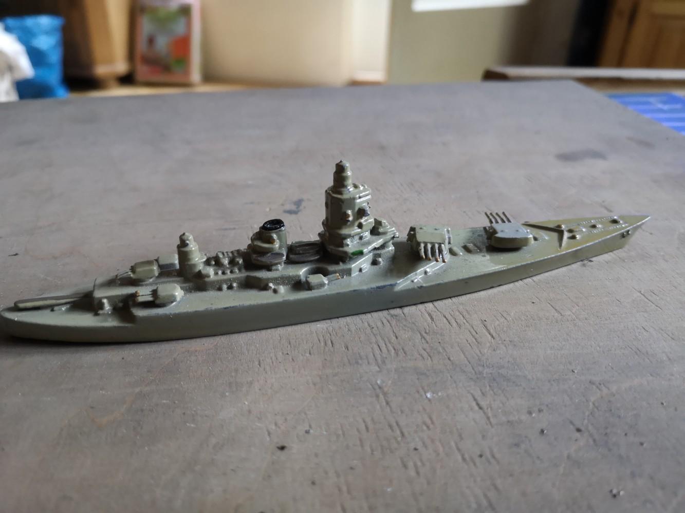 Kollektion von Model Schiffe von die Marke Wiking